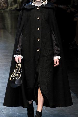 Показ Dolce & Gabbana коллекции сезона Осень-зима 2012-2013 года Prêt-à-porter - www.elle.ru - Подиум - фото 368228