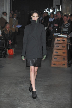 Показ Atelier Gustavo Lins коллекции сезона Весна-лето 2010 года Haute couture - www.elle.ru - Подиум - фото 138348
