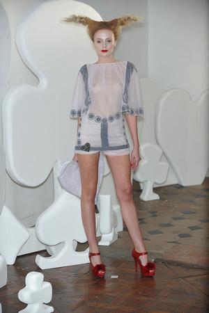 Показ On Aura Tout Vu коллекции сезона Весна-лето 2010 года haute couture - www.elle.ru - Подиум - фото 138765