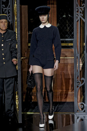 Показ Louis Vuitton коллекции сезона Осень-зима 2011-2012 года prêt-à-porter - www.elle.ru - Подиум - фото 255496