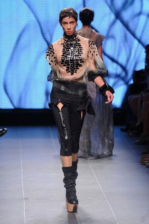 Показ Julien Fournie коллекции сезона Осень-зима 2011-2012 года Haute couture - www.elle.ru - Подиум - фото 278565