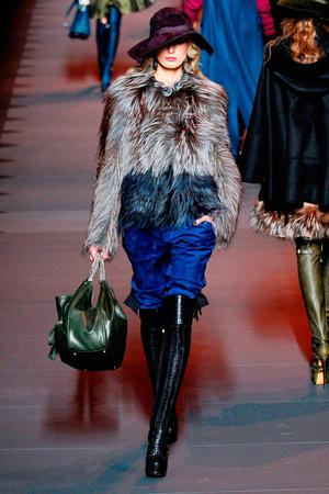 Показ Christian Dior коллекции сезона Осень-зима 2011-2012 года prêt-à-porter - www.elle.ru - Подиум - фото 252107