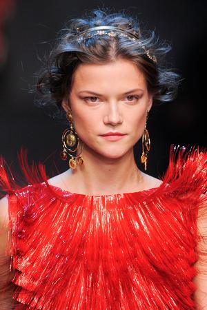 Показ Dolce & Gabbana коллекции сезона Весна-лето 2014 года prêt-à-porter - www.elle.ru - Подиум - фото 566311