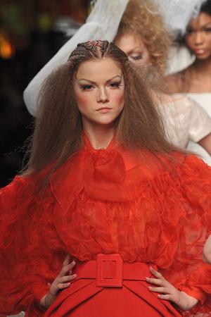 Показ Christian Dior коллекции сезона Весна-лето 2009 года Haute couture - www.elle.ru - Подиум - фото 86341