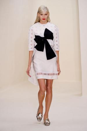 Показ Christian Dior коллекции сезона Весна-лето 2014 года Haute couture - www.elle.ru - Подиум - фото 574269
