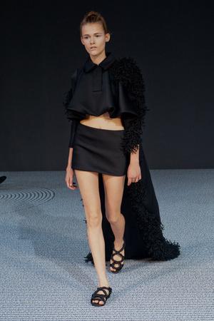 Показ Viktor & Rolf коллекции сезона Осень-зима 2013-2014 года Haute couture - www.elle.ru - Подиум - фото 556562