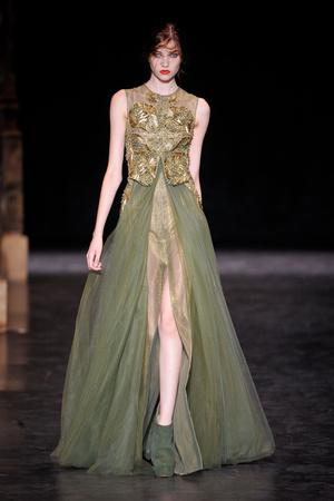 Показ Basil Soda коллекции сезона Осень-зима 2012-2013 года haute couture - www.elle.ru - Подиум - фото 404053