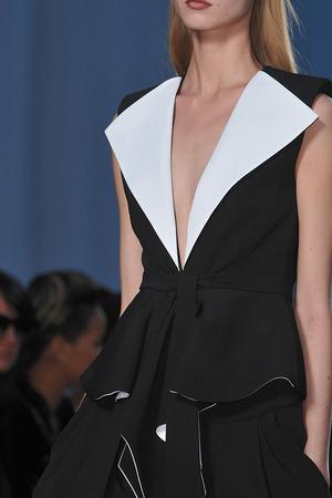 Показ Givenchy коллекции сезона Весна-лето 2010 года prêt-à-porter - www.elle.ru - Подиум - фото 120035