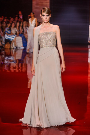 Показ Elie Saab коллекции сезона Осень-зима 2013-2014 года Haute couture - www.elle.ru - Подиум - фото 556192