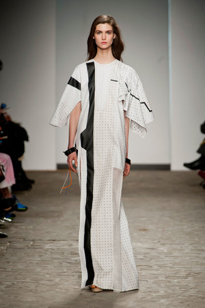 Показ Vionnet коллекции сезона Весна-лето 2014 года Haute couture - www.elle.ru - Подиум - фото 575052