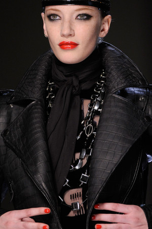 Показ Jean Paul Gaultier коллекции сезона Осень-зима 2012-2013 года Haute couture - www.elle.ru - Подиум - фото 404714