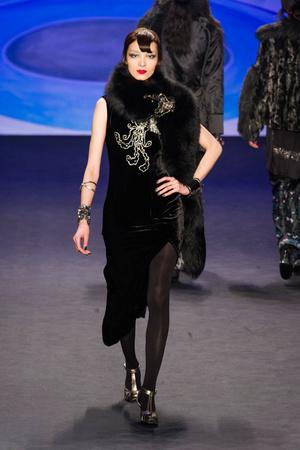 Показ Anna Sui коллекции сезона Осень-зима 2014-2015 года prêt-à-porter - www.elle.ru - Подиум - фото 577679