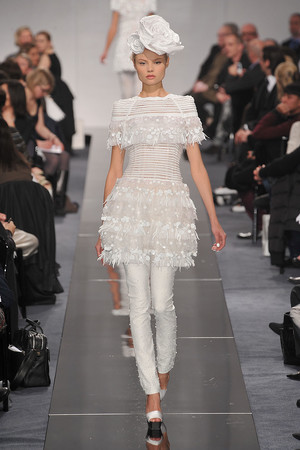 Показ  коллекции сезона Весна-лето 2009 года Haute couture - www.elle.ru - Подиум - фото 86333