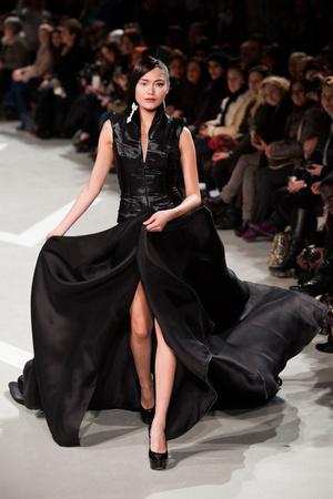 Показ Julien Fournie коллекции сезона Весна-лето 2013 года haute couture - www.elle.ru - Подиум - фото 479510