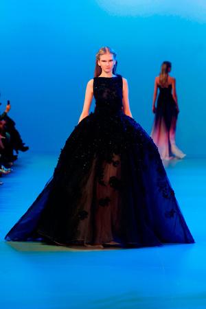 Показ Elie Saab коллекции сезона Весна-лето 2014 года Haute couture - www.elle.ru - Подиум - фото 575154