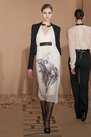 Показ Paola Frani коллекции сезона Осень-зима 2011-2012 года Prêt-à-porter - www.elle.ru - Подиум - фото 242685
