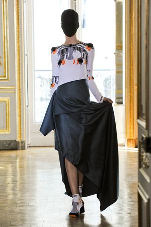 Показ Maison Martin Margiela коллекции сезона Осень-зима 2011-2012 года haute couture - www.elle.ru - Подиум - фото 277117