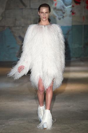 Показ Serkan Cura коллекции сезона Весна-лето 2015 года haute couture - www.elle.ru - Подиум - фото 593311