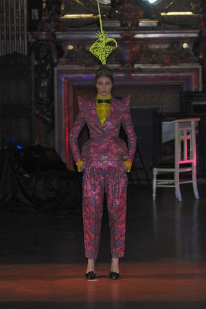Показ Josep Font коллекции сезона Осень-зима 2009-2010 года Haute couture - www.elle.ru - Подиум - фото 88002