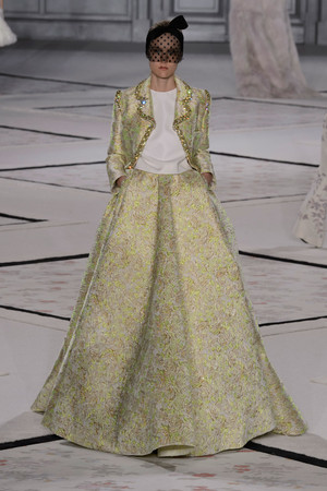 Показ Giambattista Valli коллекции сезона Весна-лето 2015 года Haute couture - www.elle.ru - Подиум - фото 592926