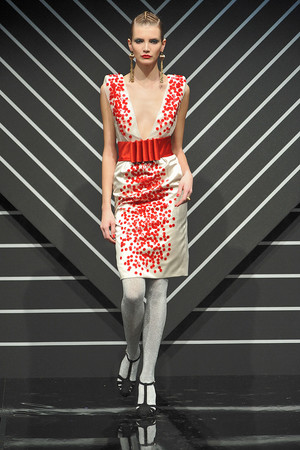 Показ Jenny Packham коллекции сезона Осень-зима 2010-2011 года prêt-à-porter - www.elle.ru - Подиум - фото 148798