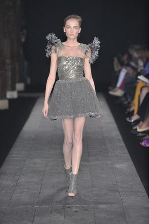 Показ Valentino коллекции сезона Осень-зима 2009-2010 года haute couture - www.elle.ru - Подиум - фото 88423
