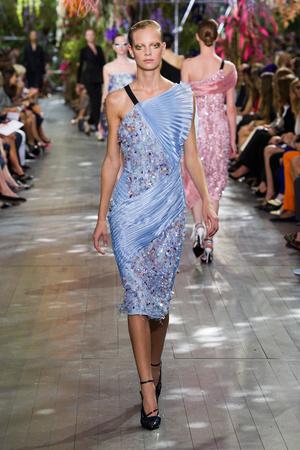 Показ Christian Dior коллекции сезона Весна-лето 2014 года prêt-à-porter - www.elle.ru - Подиум - фото 568362