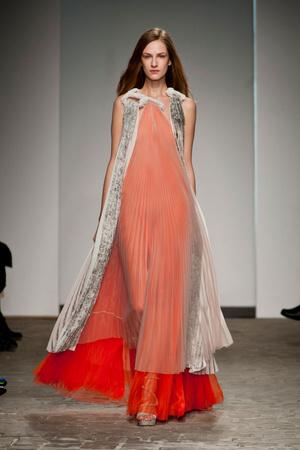 Показ Vionnet коллекции сезона Весна-лето 2014 года Haute couture - www.elle.ru - Подиум - фото 575044