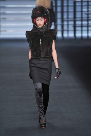 Показ Karl Lagerfeld коллекции сезона Осень-зима 2009-2010 года prêt-à-porter - www.elle.ru - Подиум - фото 99138
