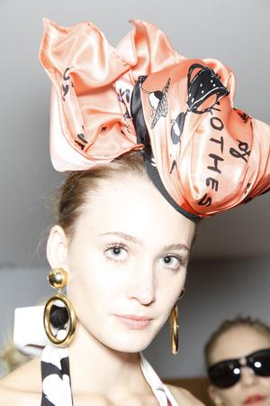 Показ Moschino коллекции сезона Весна-лето 2010 года prêt-à-porter - www.elle.ru - Подиум - фото 117191
