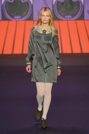 Показ Anna Sui коллекции сезона Осень-зима 2011-2012 года Prêt-à-porter - www.elle.ru - Подиум - фото 234907