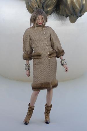 Показ  коллекции сезона Осень-зима 2010-2011 года haute couture - www.elle.ru - Подиум - фото 167903
