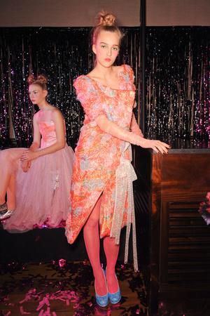 Показ Fashion East коллекции сезона Весна-лето 2013 года prêt-à-porter - www.elle.ru - Подиум - фото 427167
