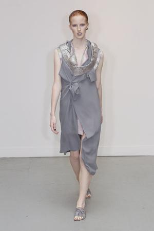 Показ Atelier Gustavo Lins коллекции сезона Осень-зима 2010-2011 года Haute couture - www.elle.ru - Подиум - фото 167268