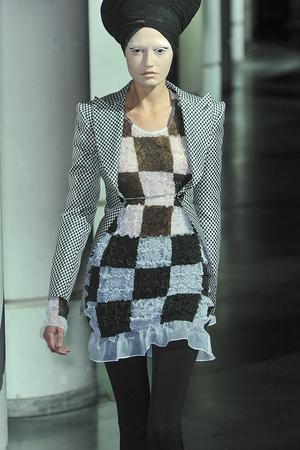 Показ Junya Watanabe коллекции сезона Весна-лето 2010 года prêt-à-porter - www.elle.ru - Подиум - фото 120443