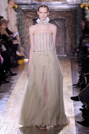 Показ Valentino коллекции сезона Весна-лето 2011 года Haute couture - www.elle.ru - Подиум - фото 217300