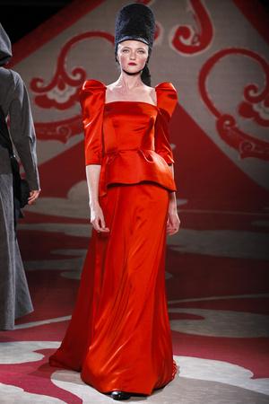 Показ Ulyana Sergeenko коллекции сезона Осень-зима 2012-2013 года haute couture - www.elle.ru - Подиум - фото 404225