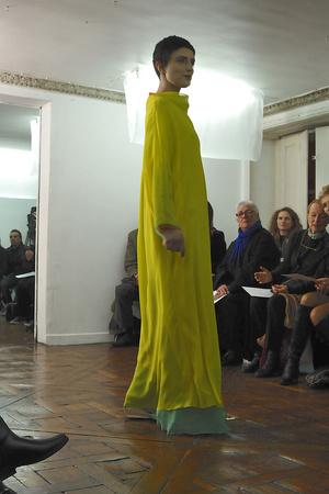 Показ Adeline Andre коллекции сезона Весна-лето 2010 года haute couture - www.elle.ru - Подиум - фото 138090