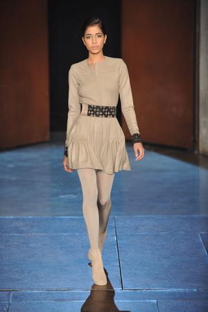 Показ Lefranc Ferrant коллекции сезона Весна-лето 2010 года Haute couture - www.elle.ru - Подиум - фото 139110