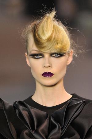 Показ Stephane Rolland коллекции сезона Осень-зима 2011-2012 года haute couture - www.elle.ru - Подиум - фото 278339