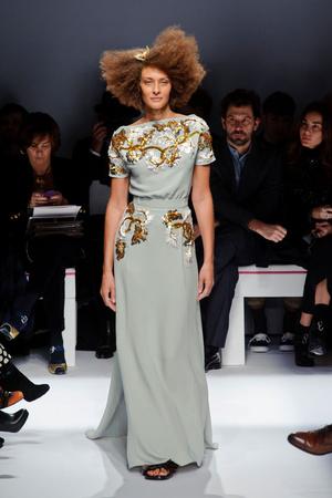 Показ Schiaparelli коллекции сезона Весна-лето 2014 года haute couture - www.elle.ru - Подиум - фото 574216