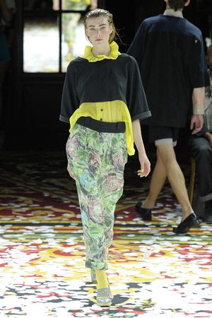 Показ Gaspard Yurkievich коллекции сезона Весна-лето 2012 года Prêt-à-porter - www.elle.ru - Подиум - фото 310135