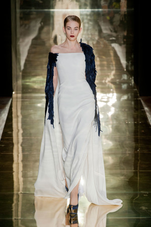Показ Georges Chakra коллекции сезона Осень-зима 2012-2013 года Haute couture - www.elle.ru - Подиум - фото 403206