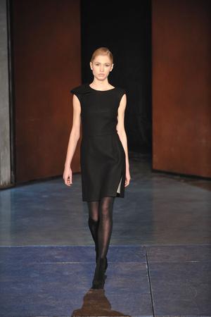Показ Lefranc Ferrant коллекции сезона Весна-лето 2010 года Haute couture - www.elle.ru - Подиум - фото 139112