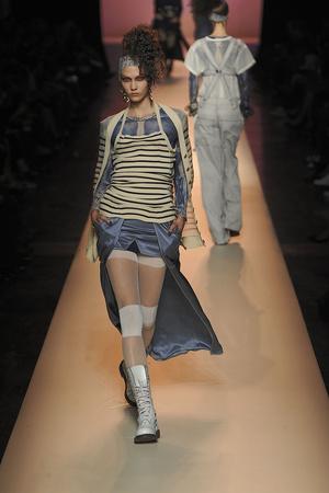 Показ Jean Paul Gaultier коллекции сезона Весна-лето 2010 года Prêt-à-porter - www.elle.ru - Подиум - фото 120372