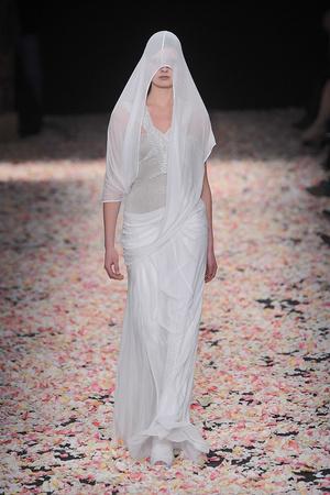 Показ Givenchy коллекции сезона Весна-лето 2009 года Haute couture - www.elle.ru - Подиум - фото 86826