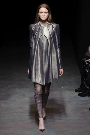 Показ Yiqing Yin коллекции сезона Весна-лето 2014 года haute couture - www.elle.ru - Подиум - фото 575311