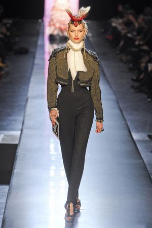 Показ Jean Paul Gaultier коллекции сезона Весна-лето 2011 года Haute couture - www.elle.ru - Подиум - фото 217250