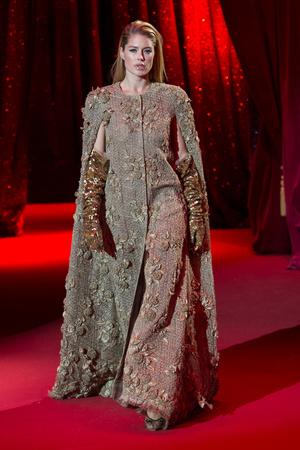 Показ Ulyana Sergeenko коллекции сезона Весна-лето  2017 года haute couture - www.elle.ru - Подиум - фото 616866