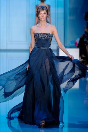 Показ Elie Saab коллекции сезона Осень-зима 2011-2012 года haute couture - www.elle.ru - Подиум - фото 278799